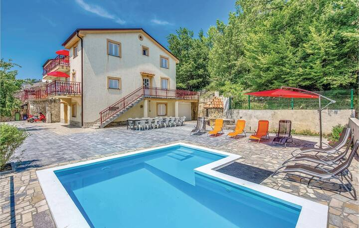 Stunning home in Grizane with WiFi and 2 Bedrooms