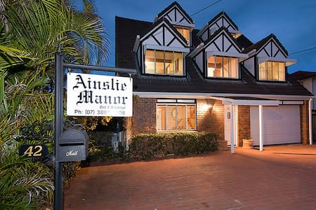 Ainslie Manor Bed and Breakfast - Redcliffe - Bed & Breakfast