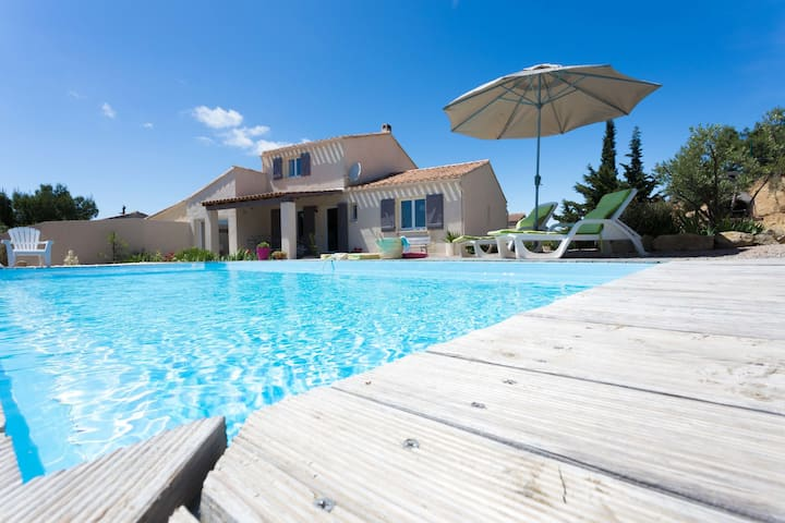 Spacious villa, plenty of privacy, private swimming pool surrounded by vineyards