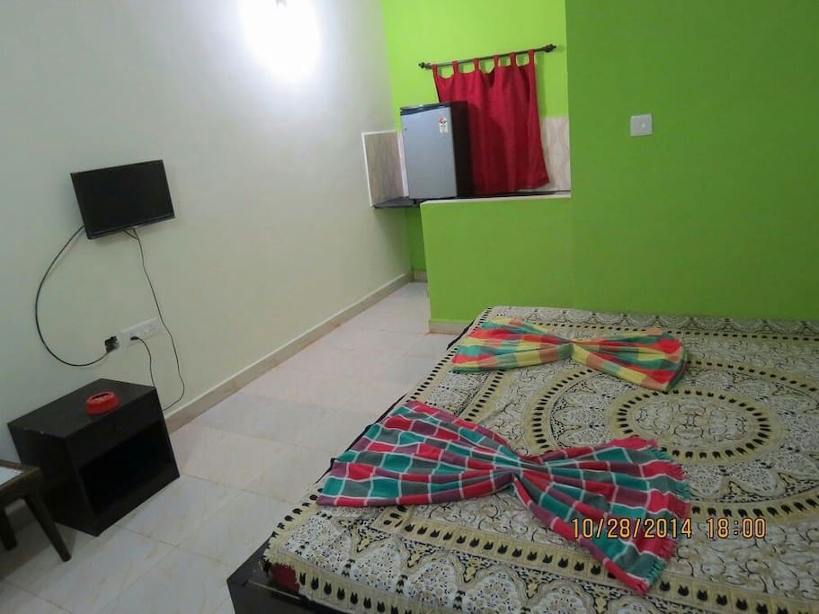 Very big room with all amenities