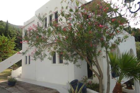 Villa Alexandra - Glossa