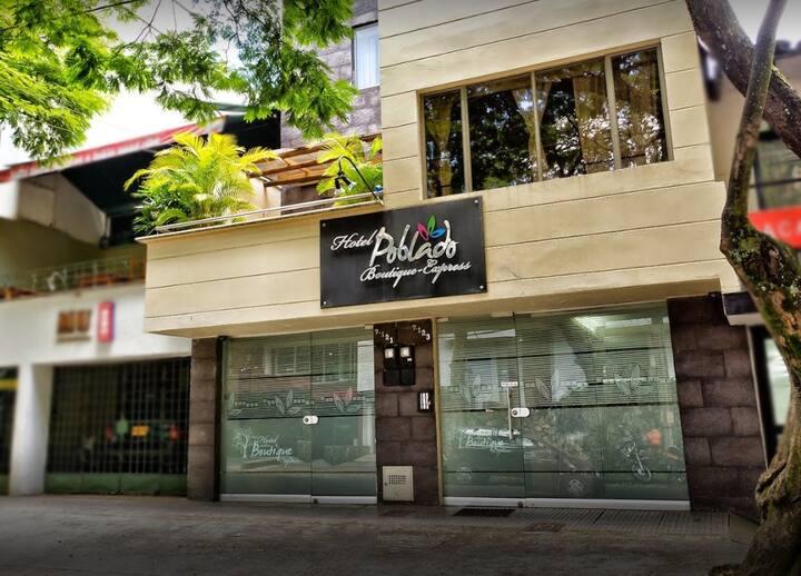 Bonito Hotel cerca Parque LLERAS Cabina 1 pax