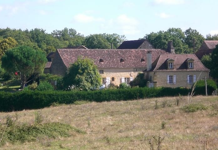 Les Camélias - Lalinde - Hus