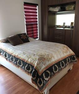 Cómoda habitación en Queretaro Cañadas del Lago.