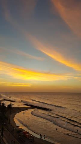Bello atardecer desde el  balcon. Beautiful sunset seen from balcony.