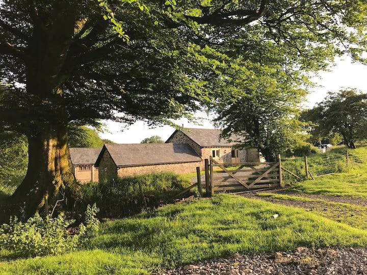 Landsend Barn - an  idyllic Exmoor hide away