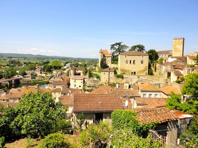 La Maison du Fort - medieval house  - Puy-l'Évêque - Hus