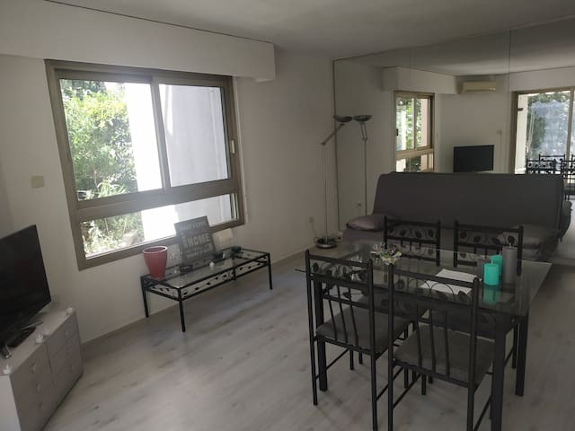 Studio, avec jardin / appartement with garden
