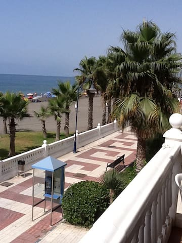 Luxury beach front Apartment Max 5 people inc kids - El Morche - Daire