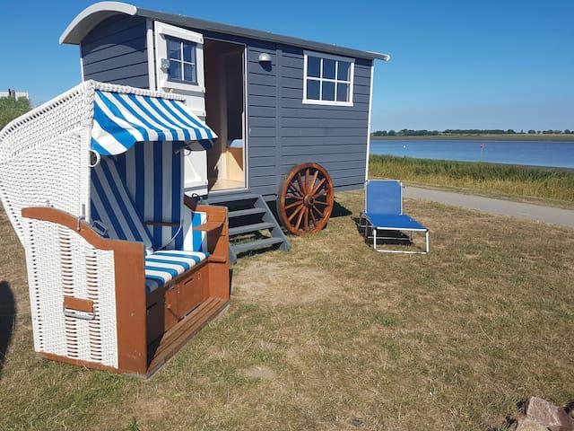 Schäferstrandwagen am Tönninger Strand