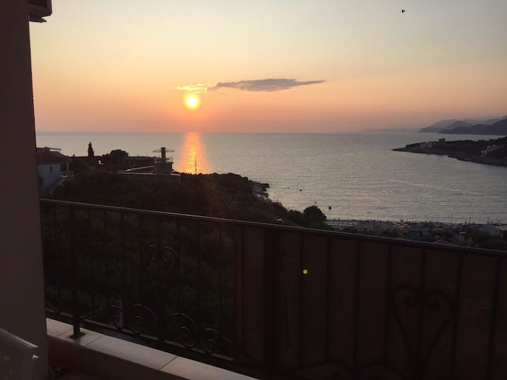A great apartment with a great view in Utjeha