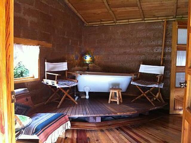 Cozy and romantic countryside bungalow - Valle de Bravo