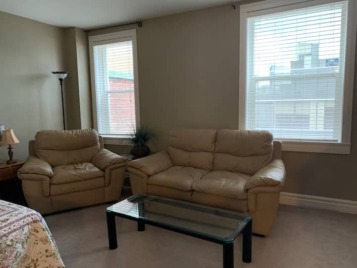 Great deal apartment in downtown regina to stay