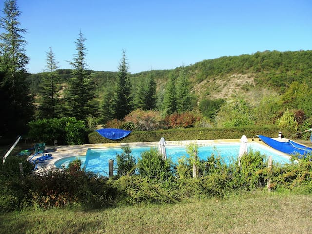 Gîtes 'Heart of Lot' quietness, private pool, view - Soucirac - Casa