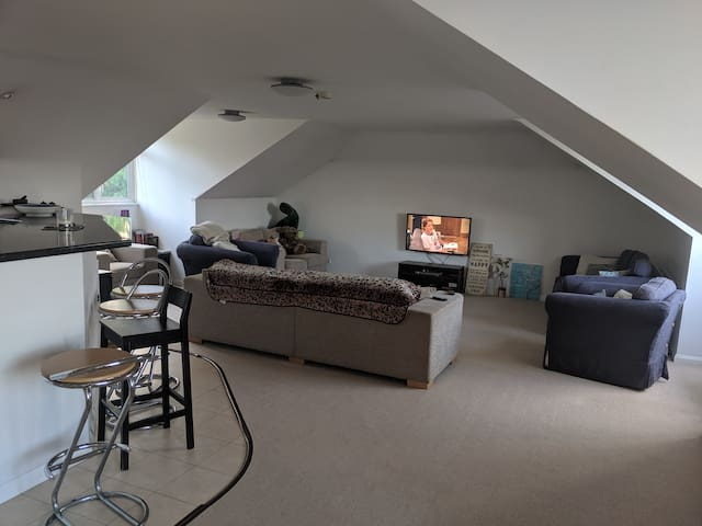Beautiful large and spacious flat in New Barnet