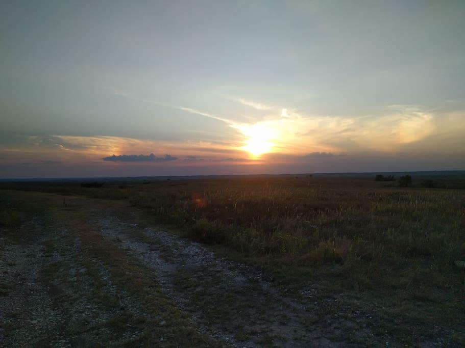 beautiful Flint hills. 5 minute drive to Konza Prairie.