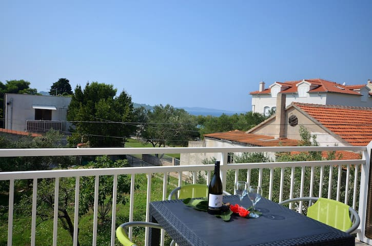 One bedroom Apartment, seaside in Srima (Vodice), Terrace