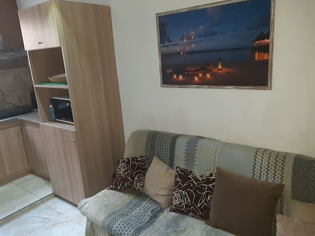 Cosy place close to all amenities/the beach/clubs