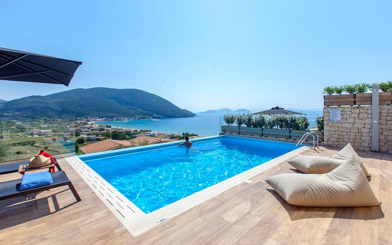 June Special Offers: Modern Villa Maria With Pool