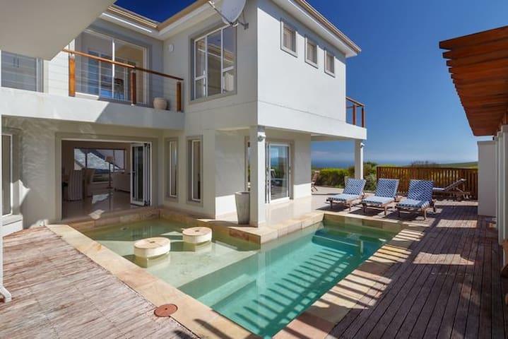 Seascape Golf Villa