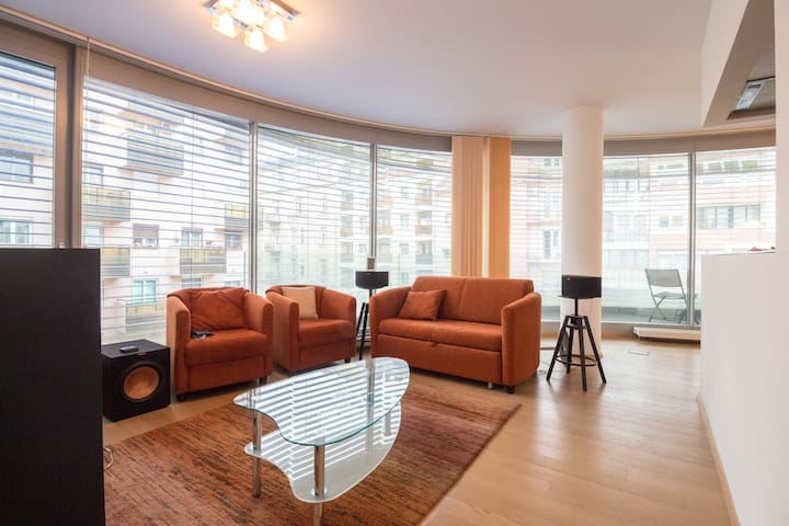 ✔ Large, Modern Apartment at Allee Mall You Will ❤