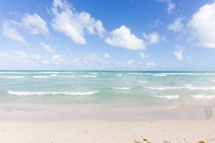 *****New Great Deal Directly on Ocean Dr Sleeps 5