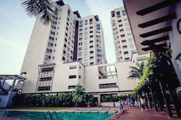 #Cozy Home close to SM,Ayala,Robinsons+Wifi,Cable