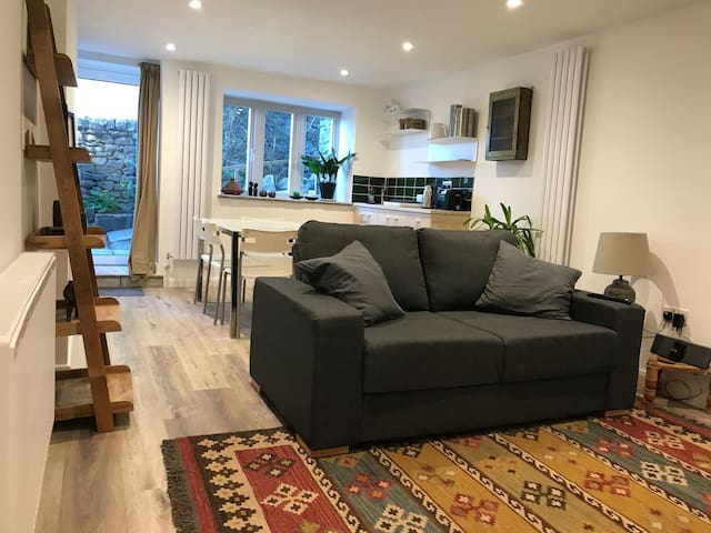 Peak District studio for two in Bradwell