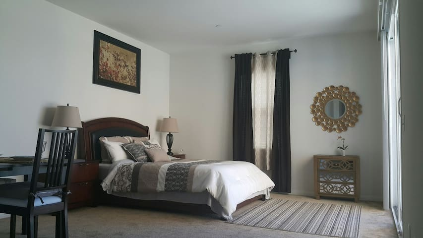Private Studio close to Temecula Wine Country. - Murrieta - House