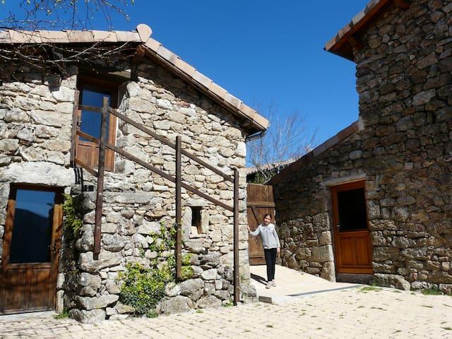 Gîte de séjour montagne et rivière d'Ardèche