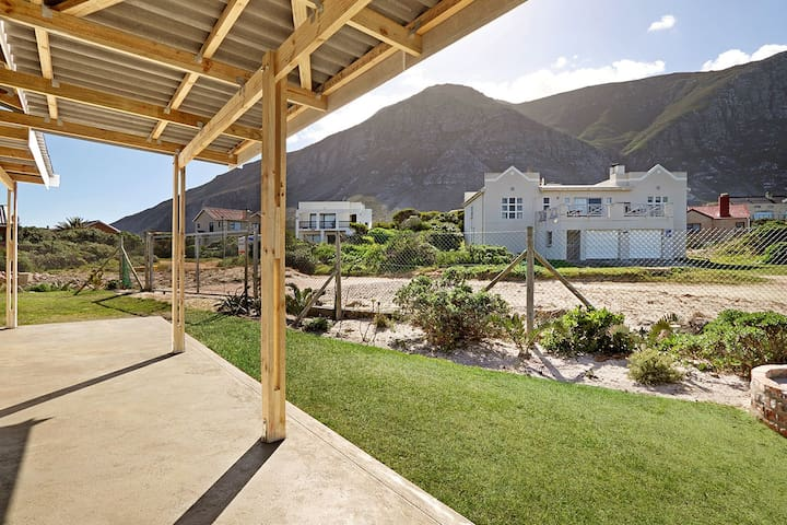 The Beach Cottage Betty's Bay