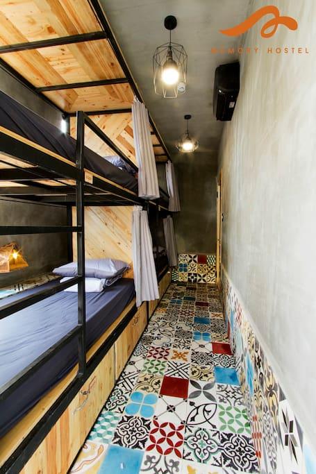 The mixed 4-bed dorm