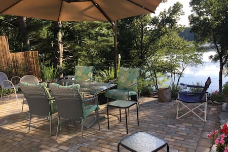 Beautiful lake house - shared. - Charlton - Ev