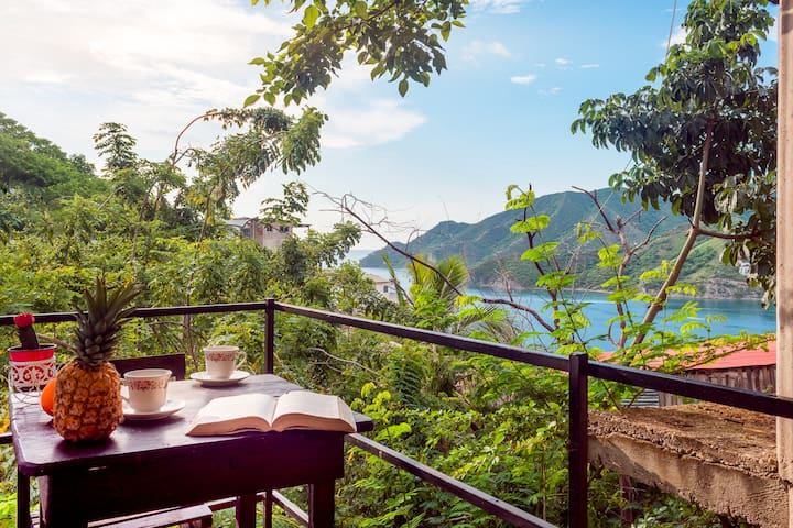 Cottage with private balcony and sea view Taganga