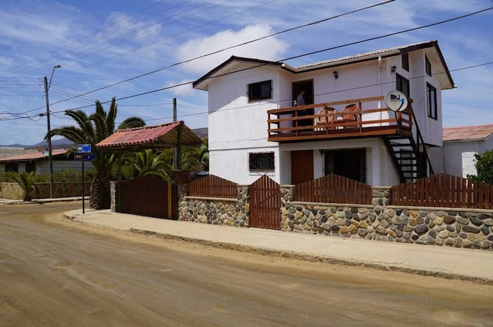 Acogedora cabaña5 4 -5 personas - Laguna Zapallar