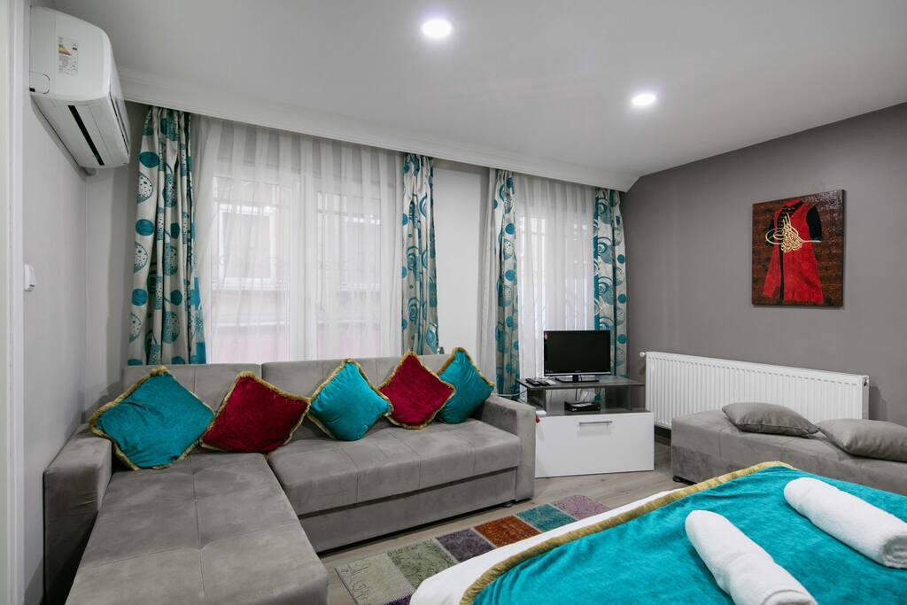 Near galata tower square karakoy appartamenti serviti in - Divano di istanbul ...