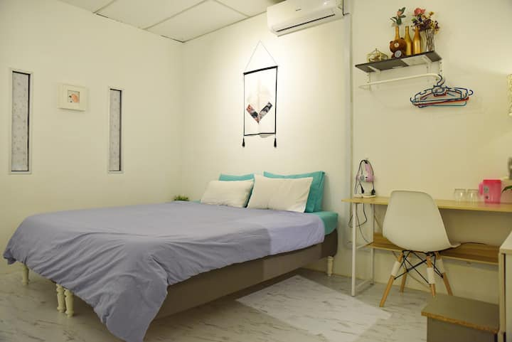 G traveler accommodation