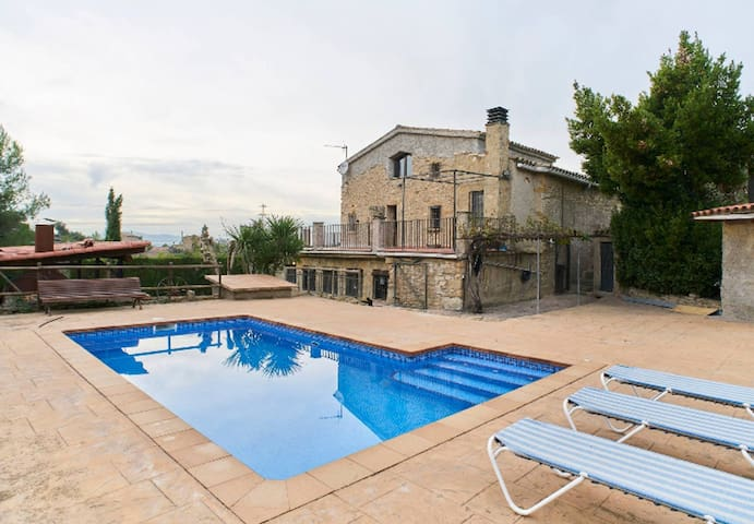 Airbnb Esparreguera Vacation Rentals Places To Stay