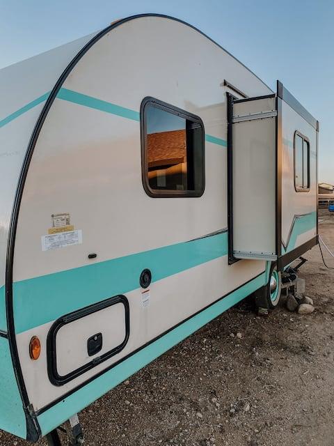 The Happy Camper  2020 Vintage Cruiser