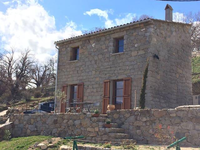 """Corsican House - """"U grataghju di l'Acquale"""" - Lozzi - House"""