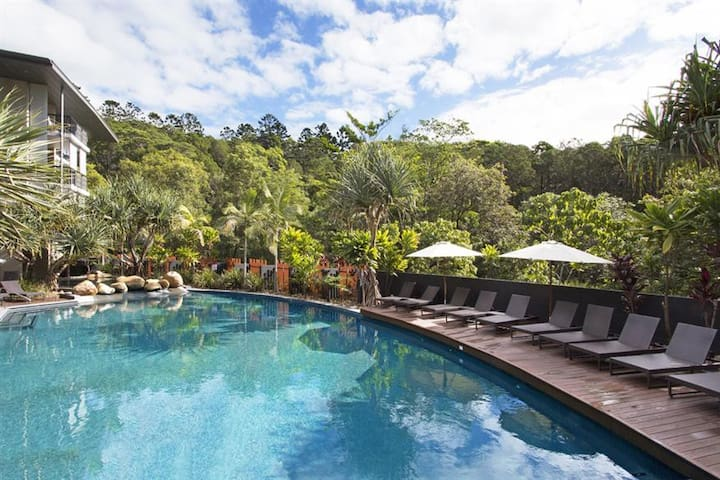 Apartment in stunning resort close to Hastings St.