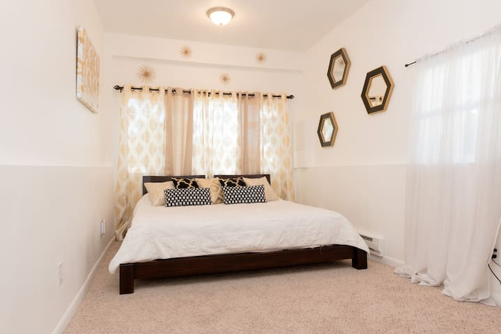 Luxurious Room, 10 min from downtown - Denver - House