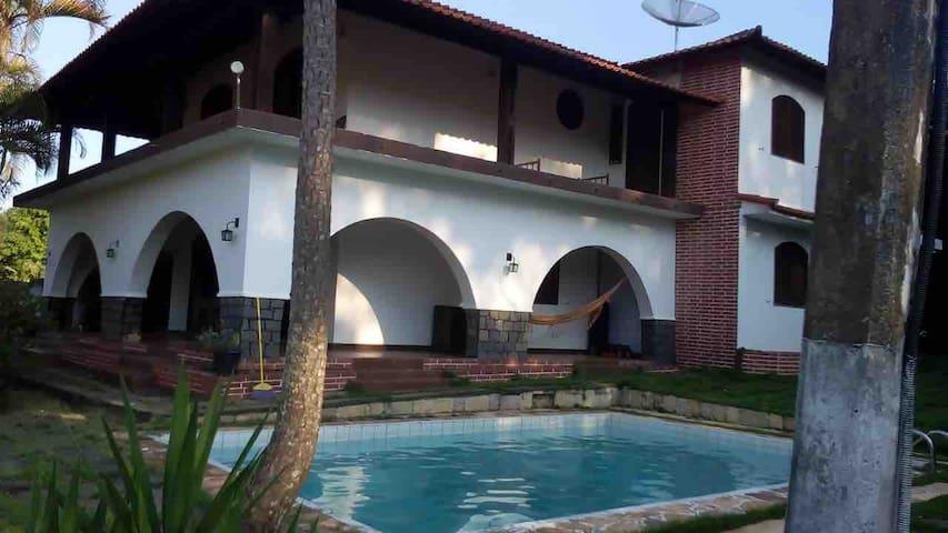 Bela casa duplex em Miguel Pereira 6 quartos