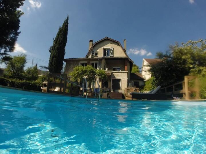 Chambre zen, piscine, verdure, 18 mn  Paris RER C
