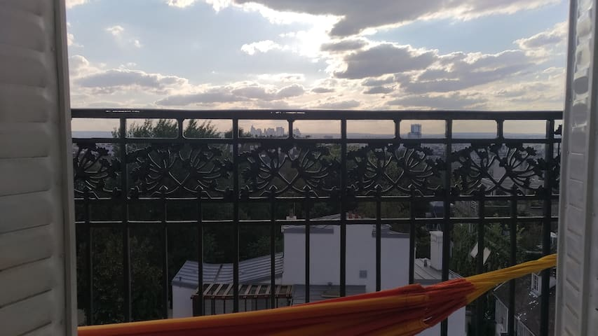 Faire une sieste sur ce balcon traversant