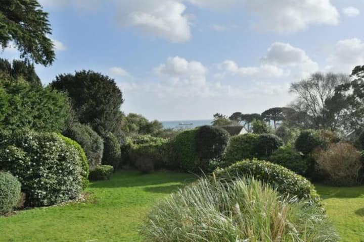 Beautiful Sea View Flat in the Heart of Falmouth.