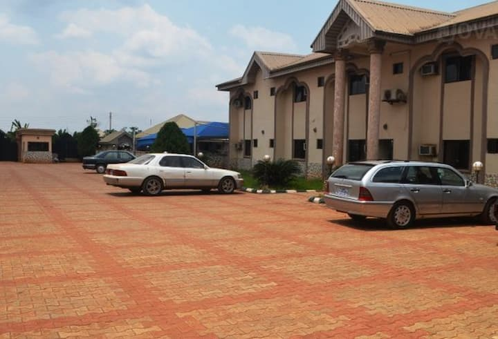 Zafike Royal Hotel budget hotel in Benin city