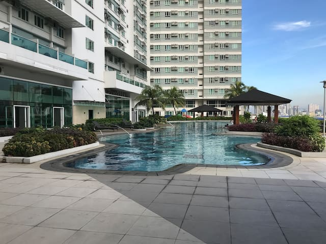 A Stylish Condo Unit @ the Heart of Makati