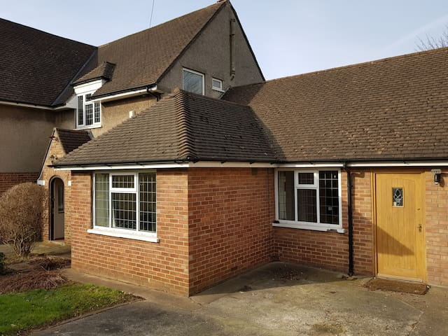 Large house and annexe close to city centre