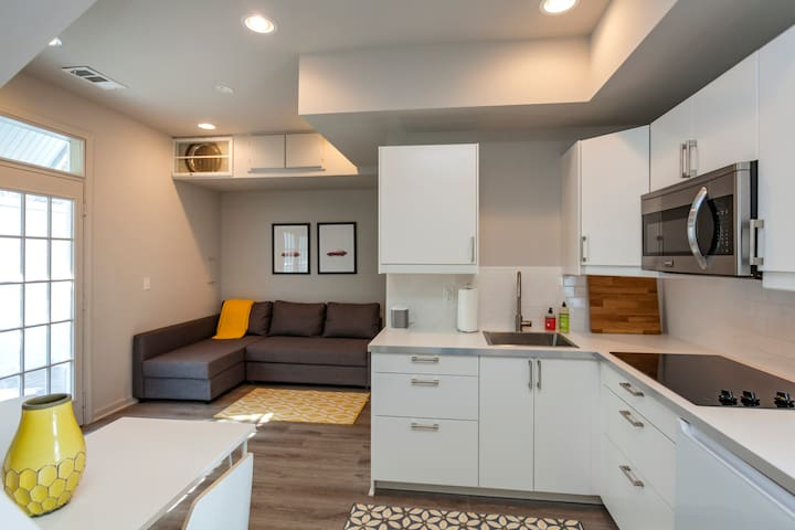 1 Bed guest house in Five Points